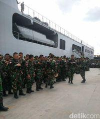 1.350 personel TNI dari berbagai kesatuan Batalion, tiba di Papua.