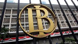Bos BI Sebut Pasar Keuangan RI Terguncang Isu Independensi Bank Sentral