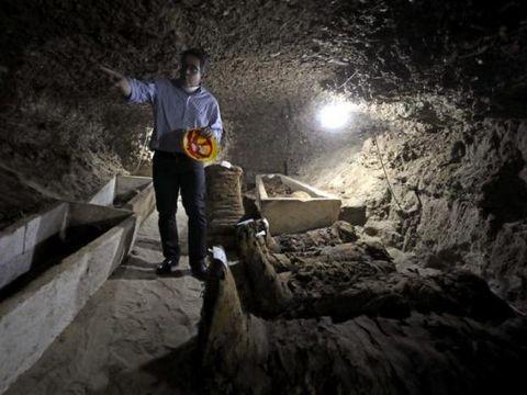 17 mumi ditemukan di kota Minya, Mesir.