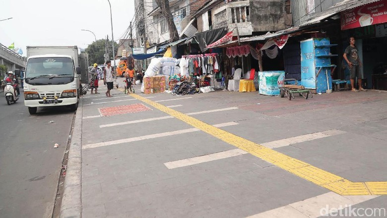Suasana Pasar Tanah Abang Pasca Penertiban