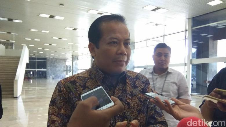 Wakil Ketua DPR: Tak Ada Keharusan Pansus KPK Konsultasi ke Jokowi