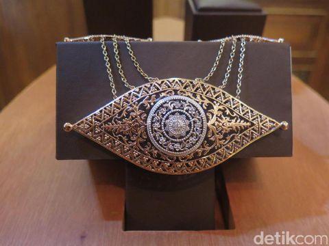 Perhiasan Etnik Pending Rasa Kekinian di Tangan Samuel Wattimena