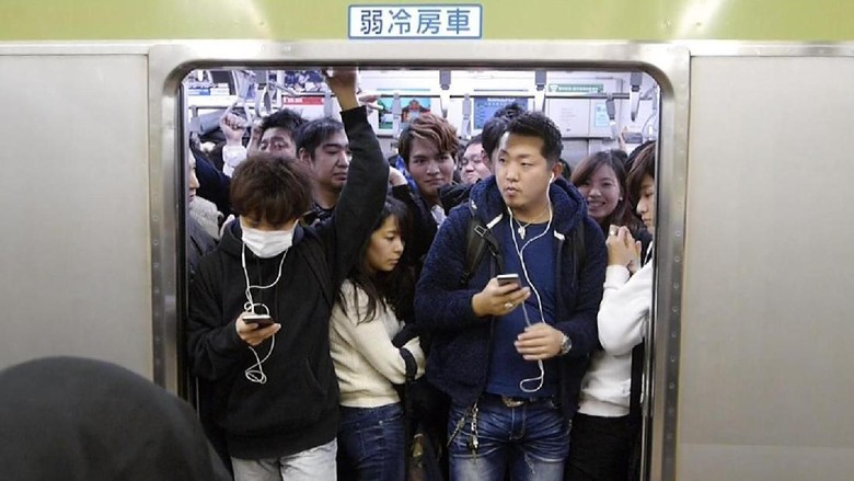 Foto: Kepadatan kereta saat rush hour di Tokyo, Jepang (Kurnia/detikTravel)