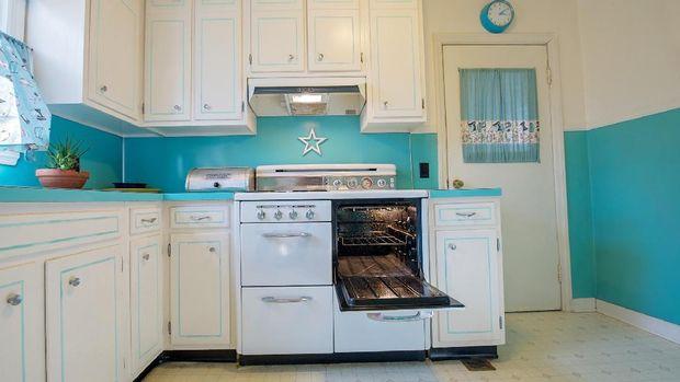 Ilustrasi memilih peralatan dapur