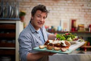 Jamie Oliver Tutup 12 Restorannya di Inggris