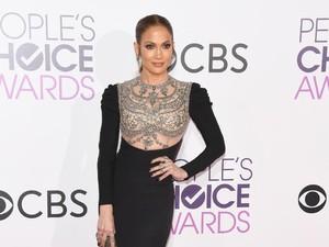 Pakai Toilet Umum, Jennifer Lopez Biarkan Orang Mengantre Panjang