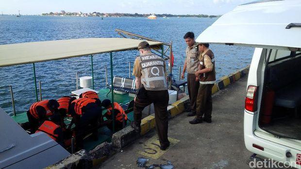 Latihan penanggulangan pencemaran laut di Bali.
