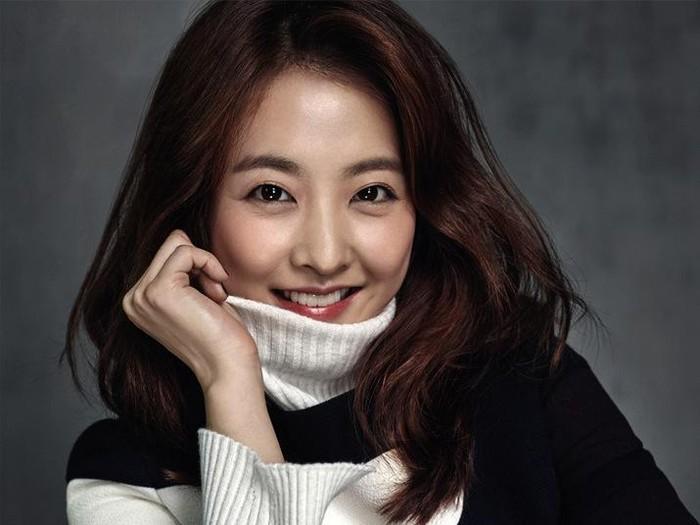 selebriti Korea Selatan yang dinilai paling pantas jadi guru