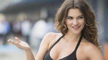 Aksi Umbrella Girl dari Berbagai Sirkuit MotoGP
