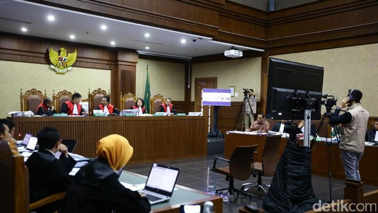 Saksi Jelaskan soal Rp 1,5 Miliar yang Dipinjam Gamawan Fauzi