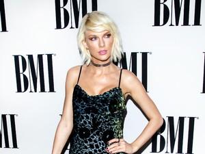Usaha Taylor Swift Pacaran Diam-diam dengan Joe Alwyn