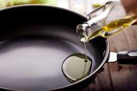 Minyak Goreng yang Dipakai Berulang Bisa Memicu Kanker
