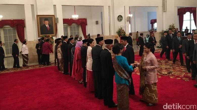 Presiden Jokowi Lantik 6 Dubes Baru, Salah Satunya Rusdi Kirana