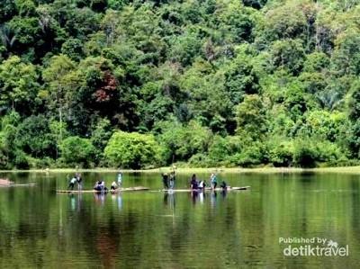 3 Danau Ajaib yang Bisa Hilang & Muncul Lagi