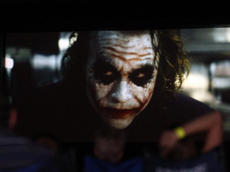 Heath Ledger Joker Tuai Pujian, Joaquin Phoenix Tak Gentar