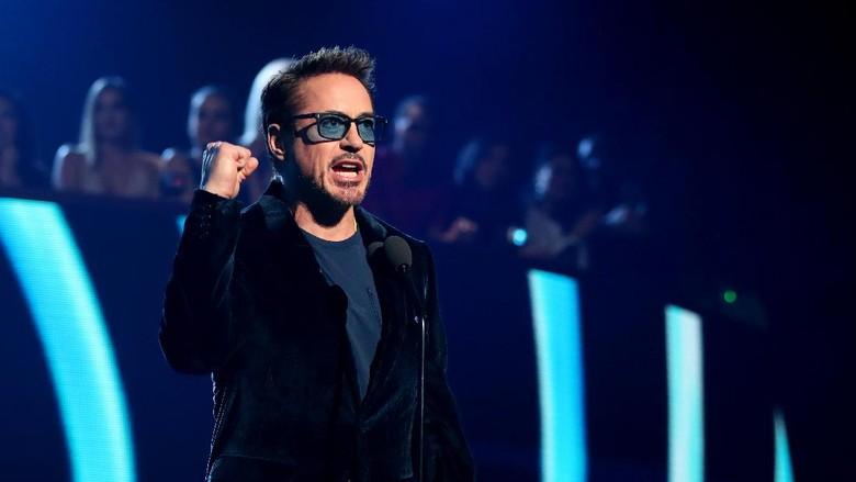 Robert Downey Jr Ungkap Ingin Pensiun (Lagi) Sebagai Iron Man