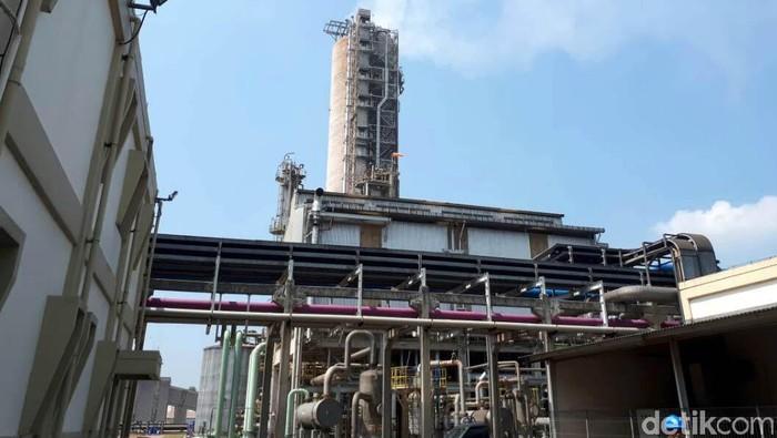 PT Pupuk Kujang memiliki kantor pusat dan pabrik di bilangan Cikampek, Jawa Barat. Yuk kita lihat pabriknya.