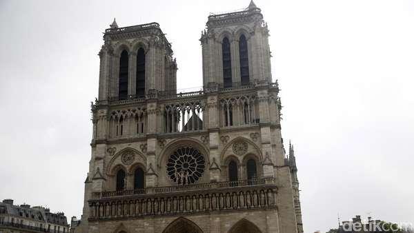 9 Fakta Katedral Notre Dame yang Terbakar di Paris