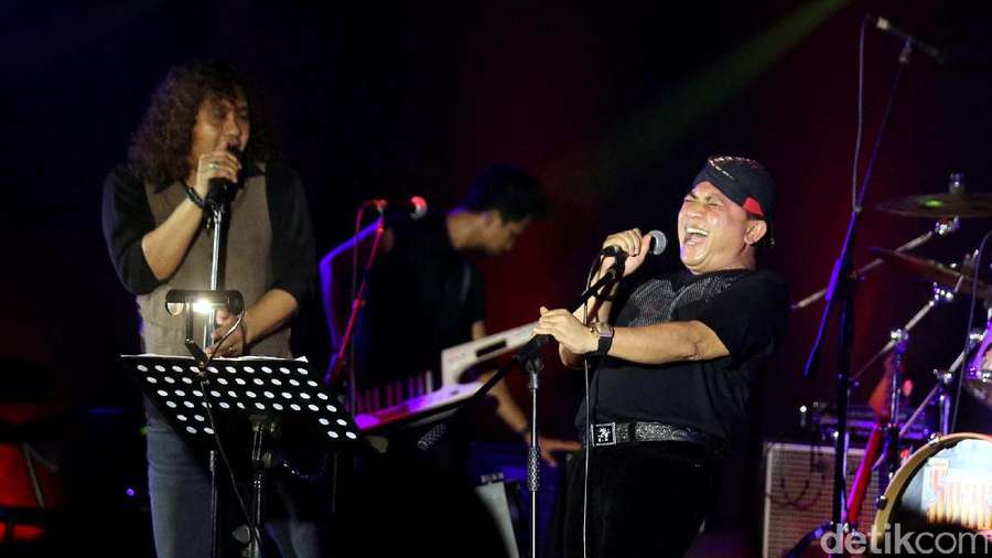 Ian Antono Ramaikan Konser Spirit of Legends
