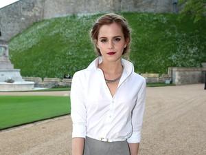 Mau Mengubah Tradisi, Emma Watson Ingin Melamar Kekasihnya