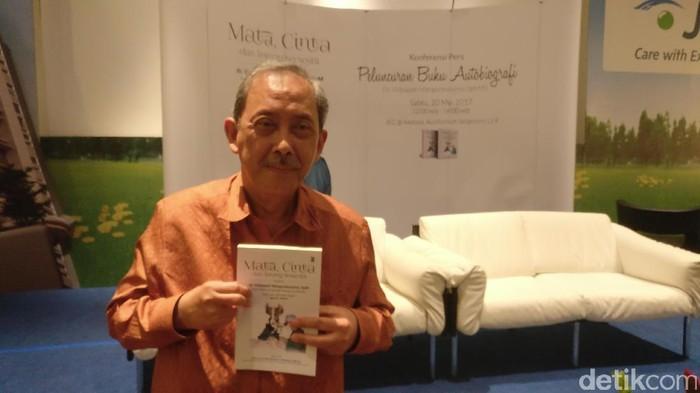 r Vidyapati Mangunkusumo, SpM(K), pelopor LASIK di Indonesia (Foto: Firdaus Anwar)