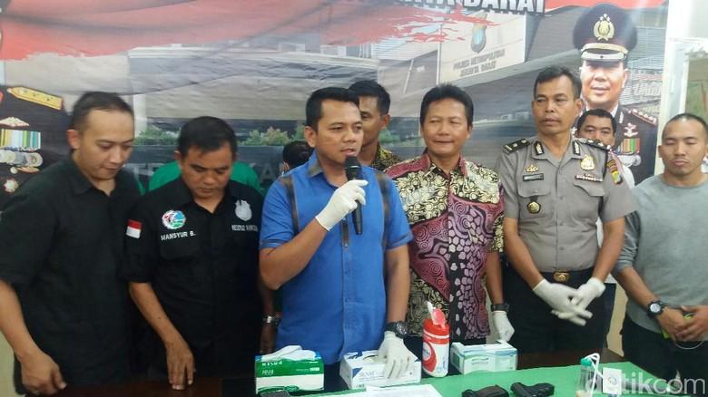 Polisi Gagalkan Pengiriman 7,7 Kg Ganja dari Jakarta ke NTB