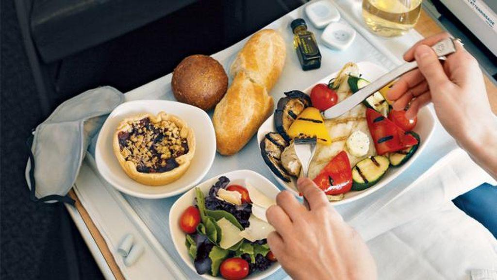 Makanan Mengecewakan di Pesawat hingga Seleb Hobi Lahap Makanan yang Sama