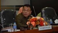 Warga Salat Id Jemaah Saat Pandemi, Anggota Komisi IX Bicara Ketidaktegasan
