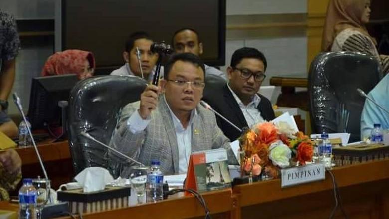 PAN: Minta Politisi Shut Up soal Rupiah, Sandi Peduli Pemerintah