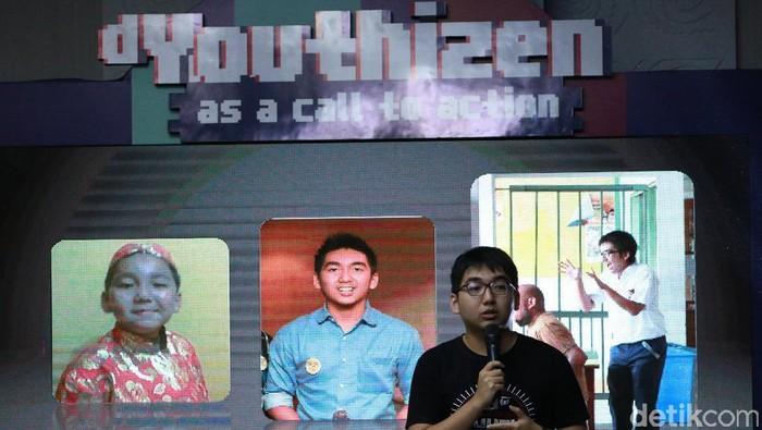 CEO Mens Republic Yasa Singgih membagi pengalamannya berbisnis di acara dYouthizen Motorola. Foto: detikINET/Muhammad Alif Goenawan