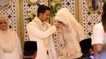 Fairuz A Rafiq Adu Kompak dengan Kekasih