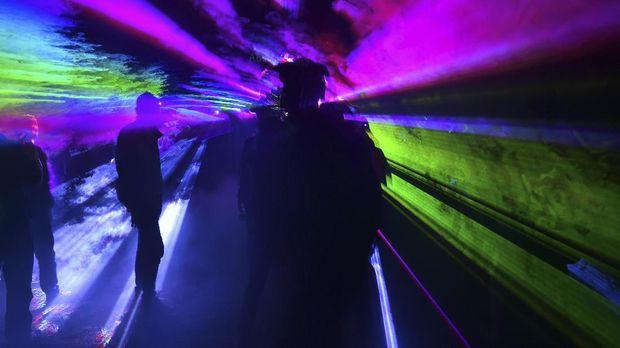 Pemprov DKI Jakarta memutuskan untuk menutup kelab malam Exotic setelah adanya kasus kematian akibat overdosis.