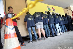 141 Orang yang Diamankan Polisi dari Pesta Gay Jalani Tes Urine