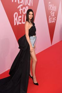 Kendall Jenner Pakai Celana Pendek di Red Carpet Cannes, <i>Yay or Nay?</i>