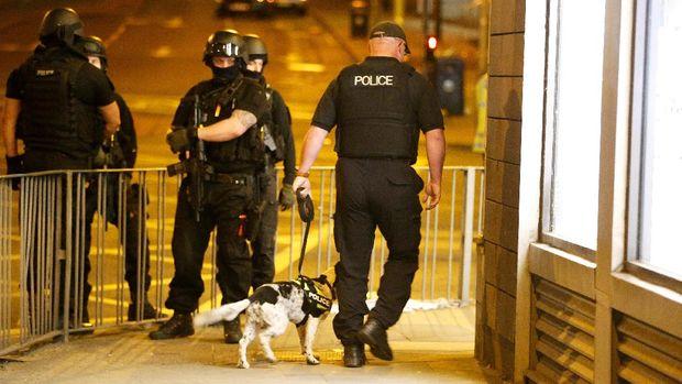 Pihak kepolisian masih terus melakukan pencarian korban.