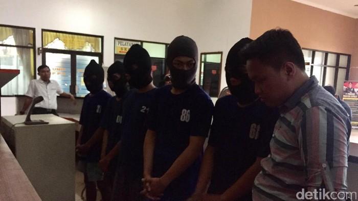Tujuh pelaku tawuran di Jatiwaringin kelompok Jatiwaringin All Stars (Nugroho Tri Laksono/detikcom)