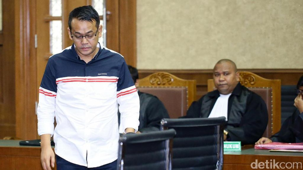 Suami Inneke Koesherawati Dieksekusi ke Lapas Sukamiskin