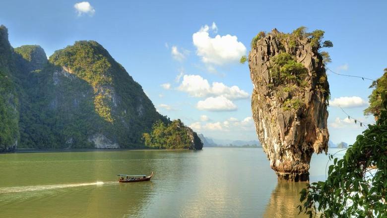 Khao Phing Kan atau James Bond Island di Thailand (Thinkstock)