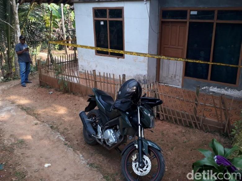 Polisi dan TNI Cek Rumah Terduga Pelaku Bom di Bandung Barat
