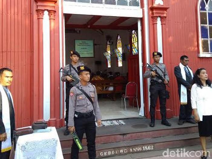 Penjagaan Gereja di Probolinggo Diperketat