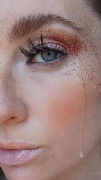 Viral Tampil Dengan Air Mata Di Wajah Jadi Tren Makeup Unik