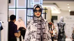 Bangga! 10 Desainer Indonesia Ini Sukses Pamerkan Batik ke Internasional