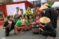 Ada pagelaran UKM batik se-Jawa Tengah di acara Dhandangan.