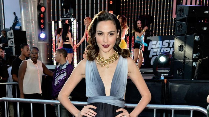 LONDON, ENGLAND - MAY 07:  Actress Gal Gadot attends the World Premiere of Fast & Furious 6 at Empire Leicester Square on May 7, 2013 in London, England.  (Photo by Tim P. Whitby/Getty Images)