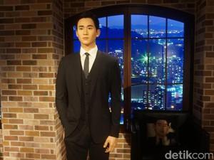 Puas Foto Bareng Kim Soo Hyun Hingga Hyun Bin di Grevin Wax Museum
