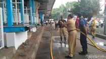 Pemkot Jaktim Kerahkan 200 Personel Bersih-bersih Kampung Melayu