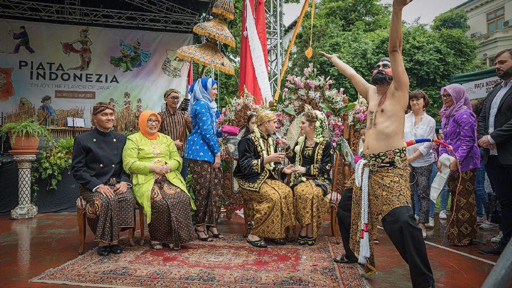 Menyambut Ramadan, Melihat Rumania Bernuansa Jawa