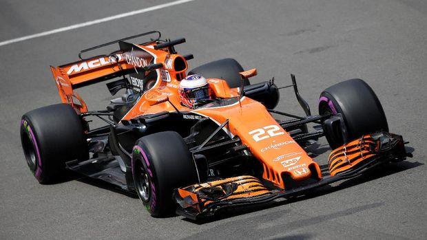 Kelakar Button ke Alonso: Aku Akan Buang Air Kecil di Kursimu