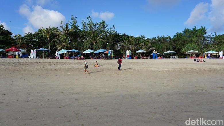 Ilustrasi Pantai Kuta (Ahmad Masaul/detikcom)