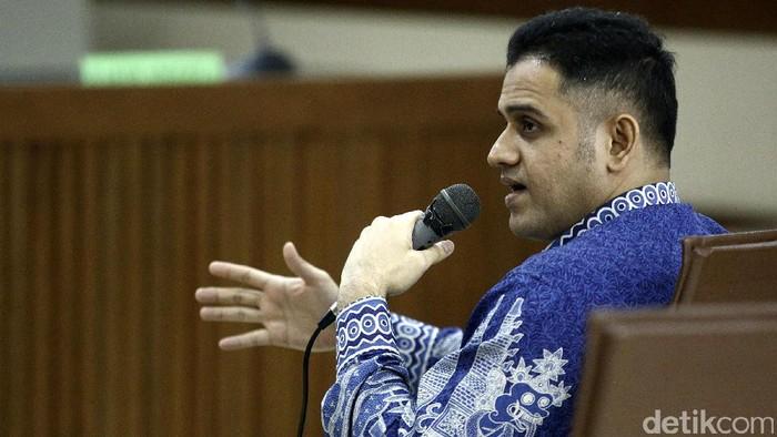 Muhammad Nazaruddin menjadi saksi sidang kasus korupsi Hambalang di Pengadilan Tipikor, Jakarta, Senin (29/5). Nazaruddin bersaksi untuk terdakwa Choel Mallarangeng.